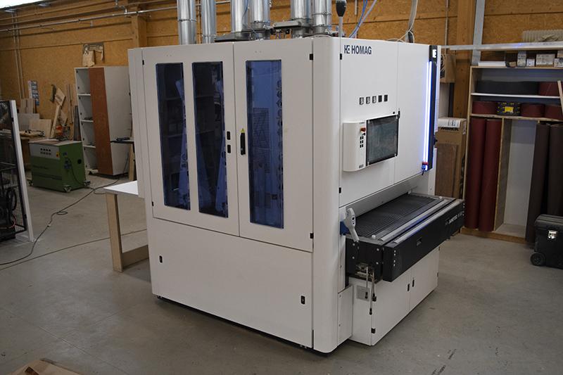 alpha-tischlerei-halle-breitbandschleifmaschine1